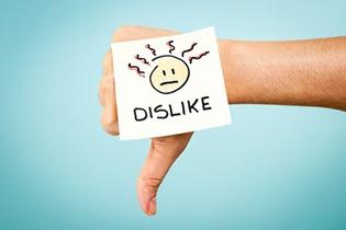 Kuinka reagoida negatiivisiin asiakaspalautteisiin somessa: 6 vinkkiä